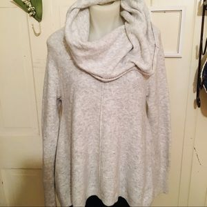 Anthropologie Ruby Moon Sweater- M dove gray ,